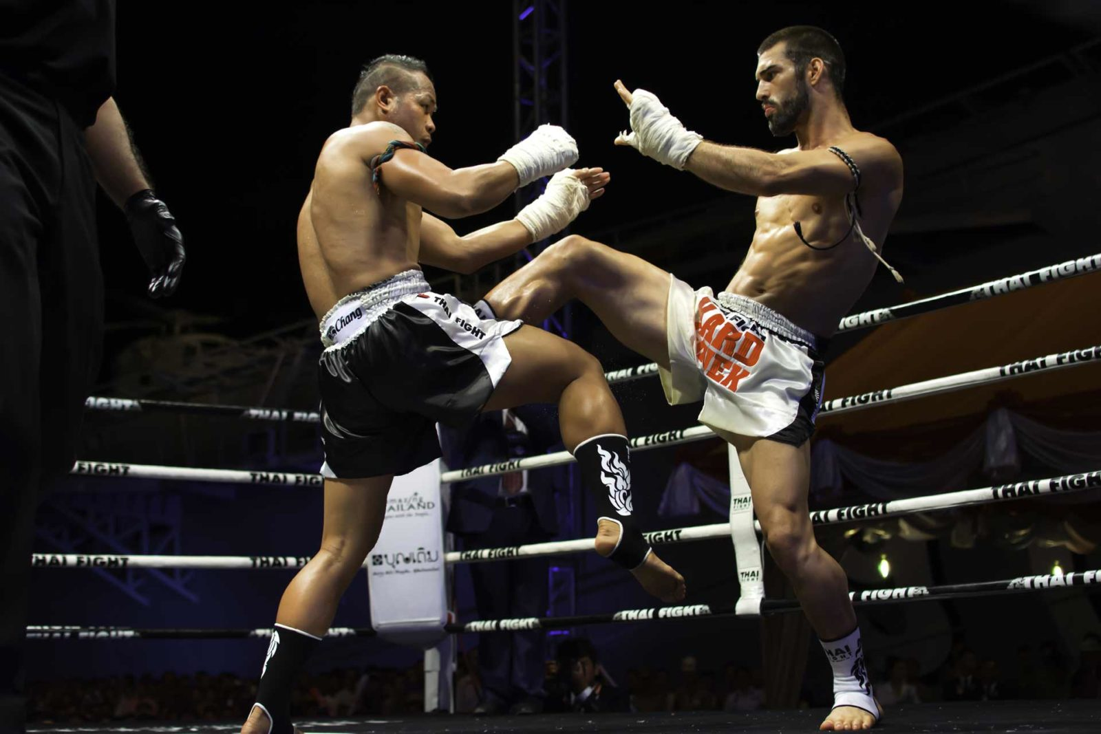 Thai Boxing in Ring